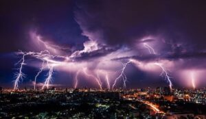 Read more about the article CUSTOMER CORNER–Lightning safety: 10 myths & 10 facts